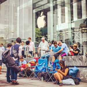 New York Apple Store: iPhone 5S Line
