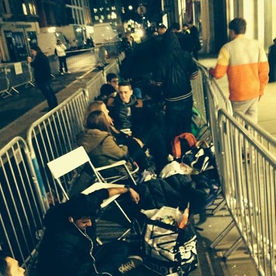 iphone 5s 5c lines apple stores regent street london uk england