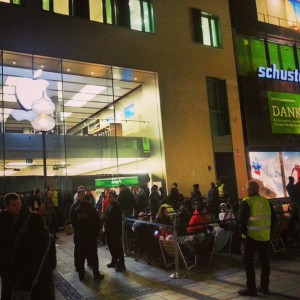 iphone 5s 5c lines apple stores munich germany