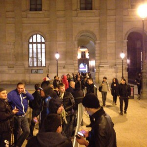 iphone 5s 5c lines apple stores louvre paris france