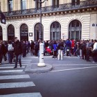 iphone 5s 5c lines apple stores opera paris france