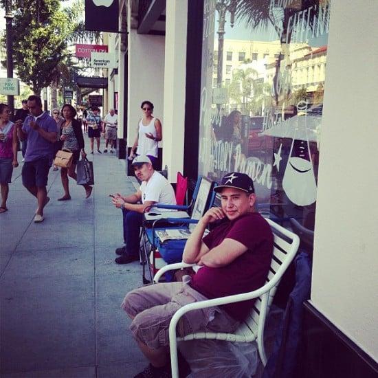 iphone 5s 5c lines apple stores pasadena california
