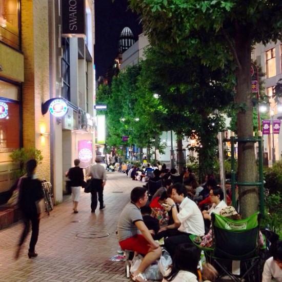 iphone 5s 5c lines apple stores tokyo japan shibuya
