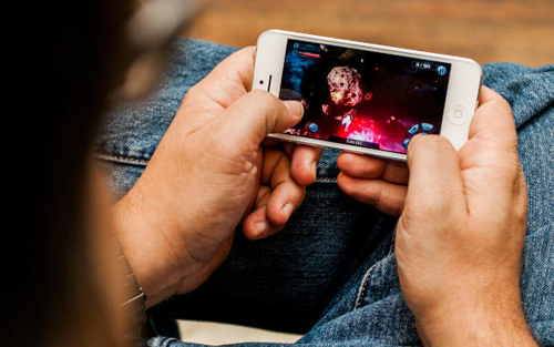uses-for-old-iphone-gaming