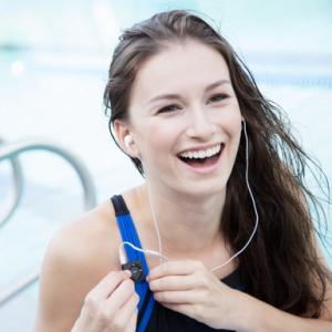 Waterproof iPod Shuffle Swimbuds Headphones Bundle
