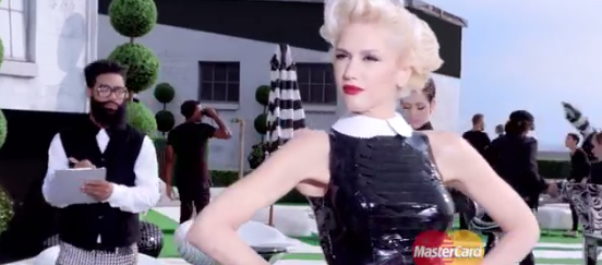 apple pay gwen stefani mastercard