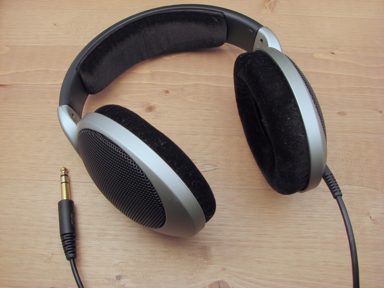 iPhone headphone jack