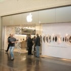 The 2006 Grand Opening of the NorthPark Center Apple Store, in 2006. (Photo by Scott Hughes)
