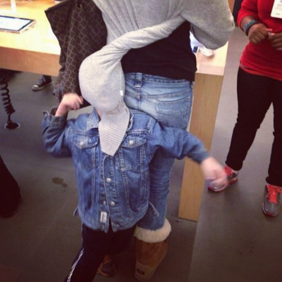 people-of-apple-stores-kid-in-shirt